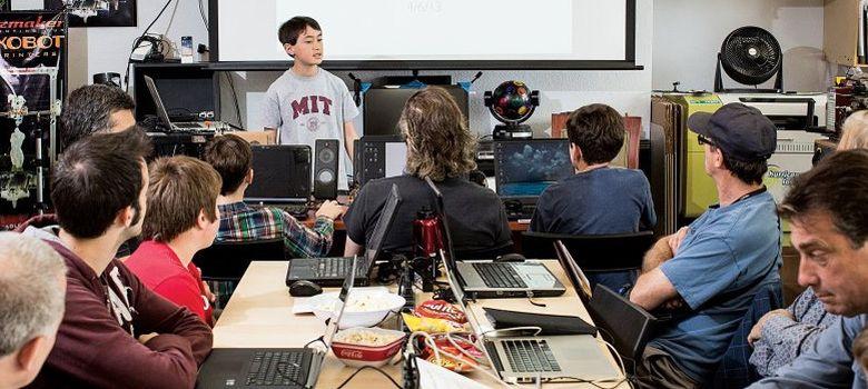 Foto: El niño de 13 años que tiene su empresa y da clase en el MIT