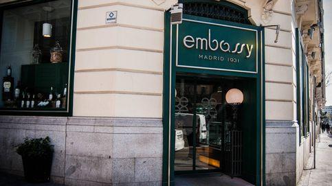 El adiós de la cafetería Embassy, el 'nido de espías' del paseo de la Castellana