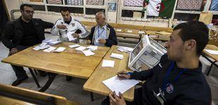 Post de Polémica en Argelia: candidatas sin rostro en los carteles electorales