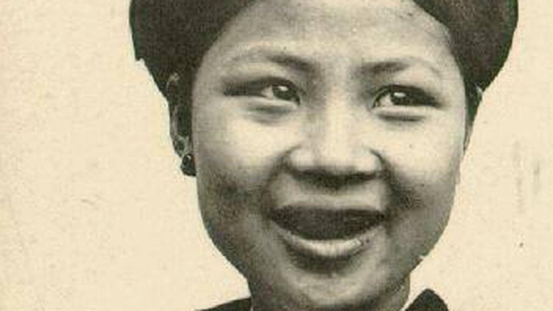 Retrato de joven del norte de Vietnam con los dientes ennegrecidos, hacia 1905.