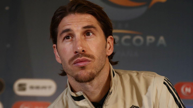 El futbolista del Real Madrid Sergio Ramos, ante los medios. (EFE)