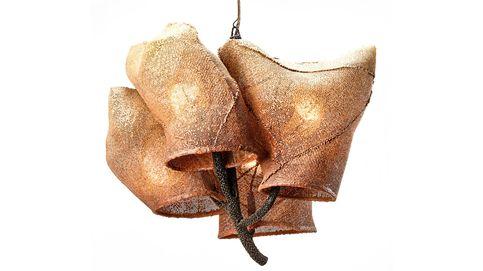 Nacho Carbonell brilla con su colección de 'lámparas capullo' en Nueva York