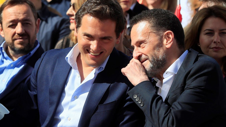 Foto: El líder de Ciudadanos Albert Rivera (i), y Edmundo Bal Francés, número 4 por Madrid. (EFE)