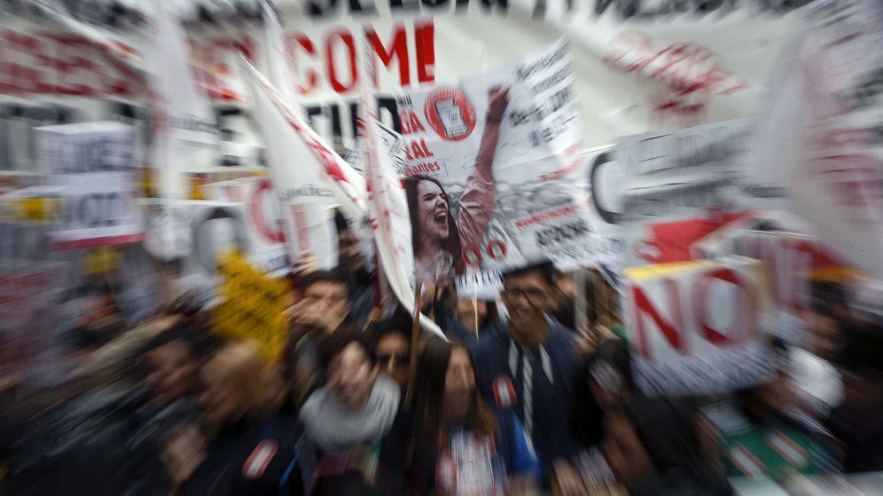 Foto: Manifestación convocada en Madrid para exigir la derogación de la Lomce y del decreto 3. (EFE)