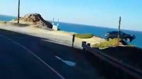 El misterio del coche volador: EEUU no encuentra un SUV que aterrizó en el mar
