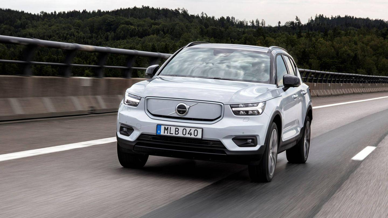 Los 231 CV le permiten acelerar de cero a 100 km/h en 7,4 segundos. Y Volvo estima que la autonomía media rondará los 400 kilómetros, según el ciclo WLTP.