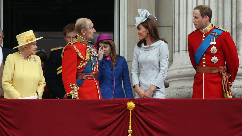 El duque de Edimburgo y los duques de Cambridge, en el Trooping the Colour de 2016. (Getty)