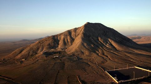 La obra de nunca acabar: cómo la montaña sagrada de Tindaya sepultó a Chillida