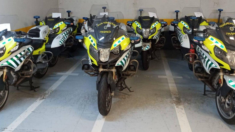Motos paradas sin utilizar. (EC)