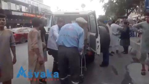 Al menos 60 afganos y 12 tropas de EEUU mueren en tres explosiones en Kabul