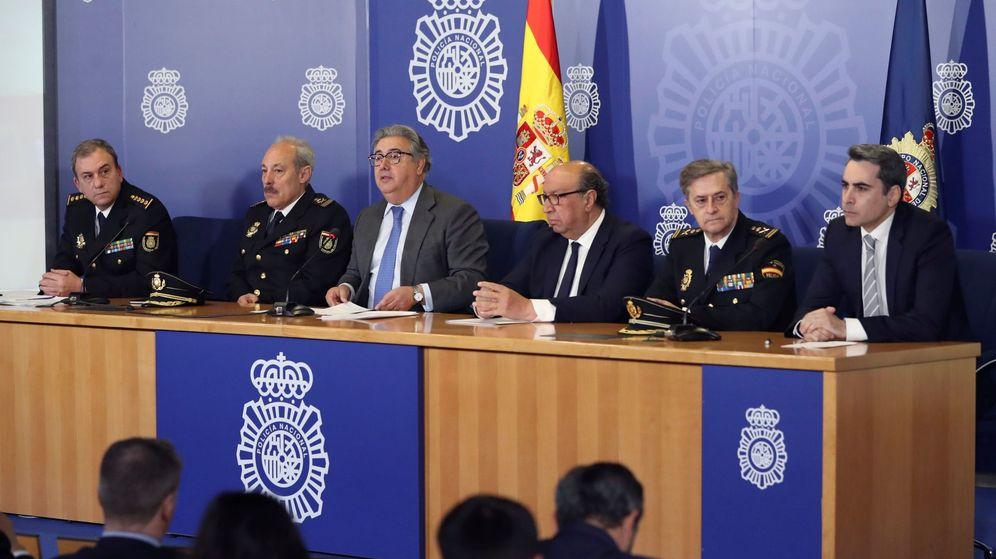 Foto: El ministro Zoido ha contado la detención en España del mayor ciberatracador de bancos del mundo. (EFE)