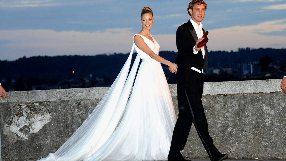 De Grace Kelly a Estefanía: todos los detalles de los 12+1 vestidos de novia de las Grimaldi