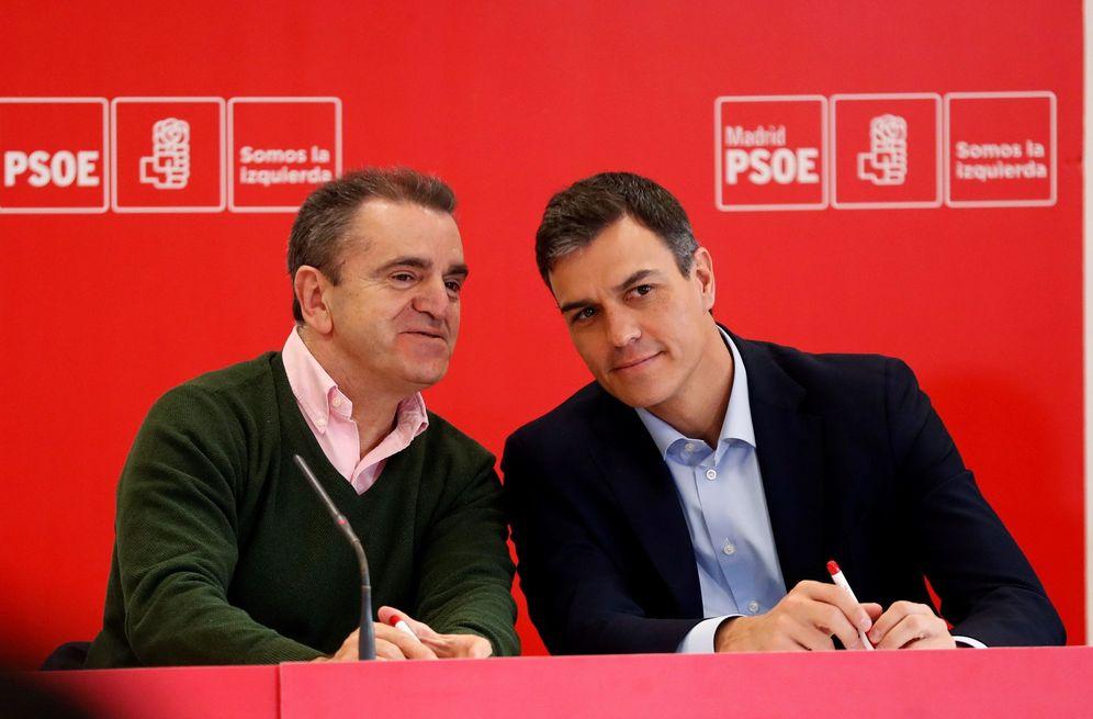 Foto: Pedro Sánchez y José Manuel Franco, líder del PSOE-M, el pasado 9 de abril en Coslada, Madrid. (EFE)