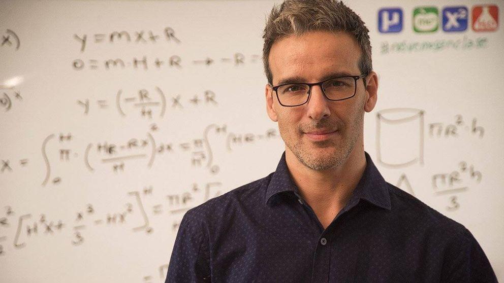 El profesor español más famoso de internet: YouTube me regaña por no dar espectáculo