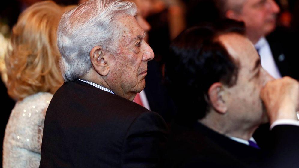 Foto: Vargas Llosa, durante la cena de gala. (EFE)