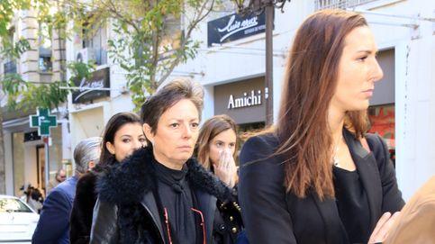 Matilde Solís, desolada en el funeral de su madre, la marquesa de la Motilla