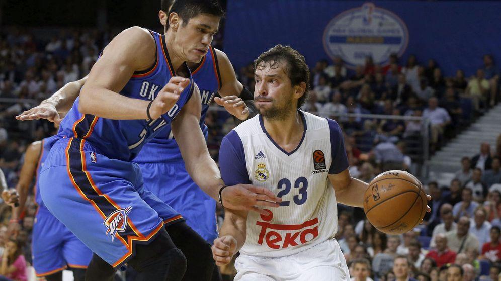 Foto: El Real Madrid ha jugado varios partidos contra equipos NBA. El último, en 2016, contra los Thunder. (EFE)