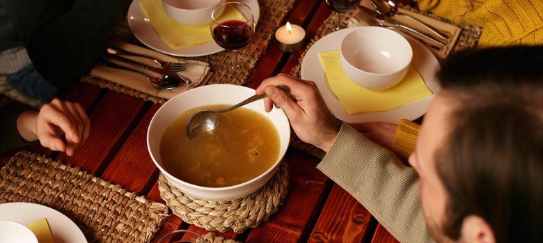 Foto: Las sopas son el mejor aliado para combatir el resfriado. (Corbis)