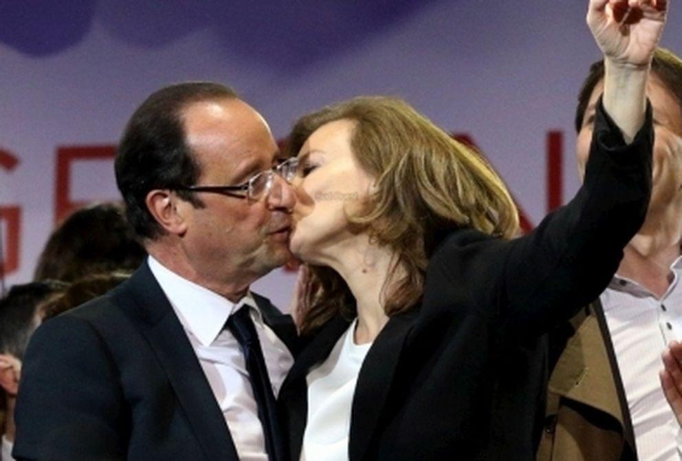 El presidente junto a Valérie Trierweiler
