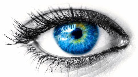 Un chip dentro del ojo: por qué es un reto tecnológico que los ciegos vean