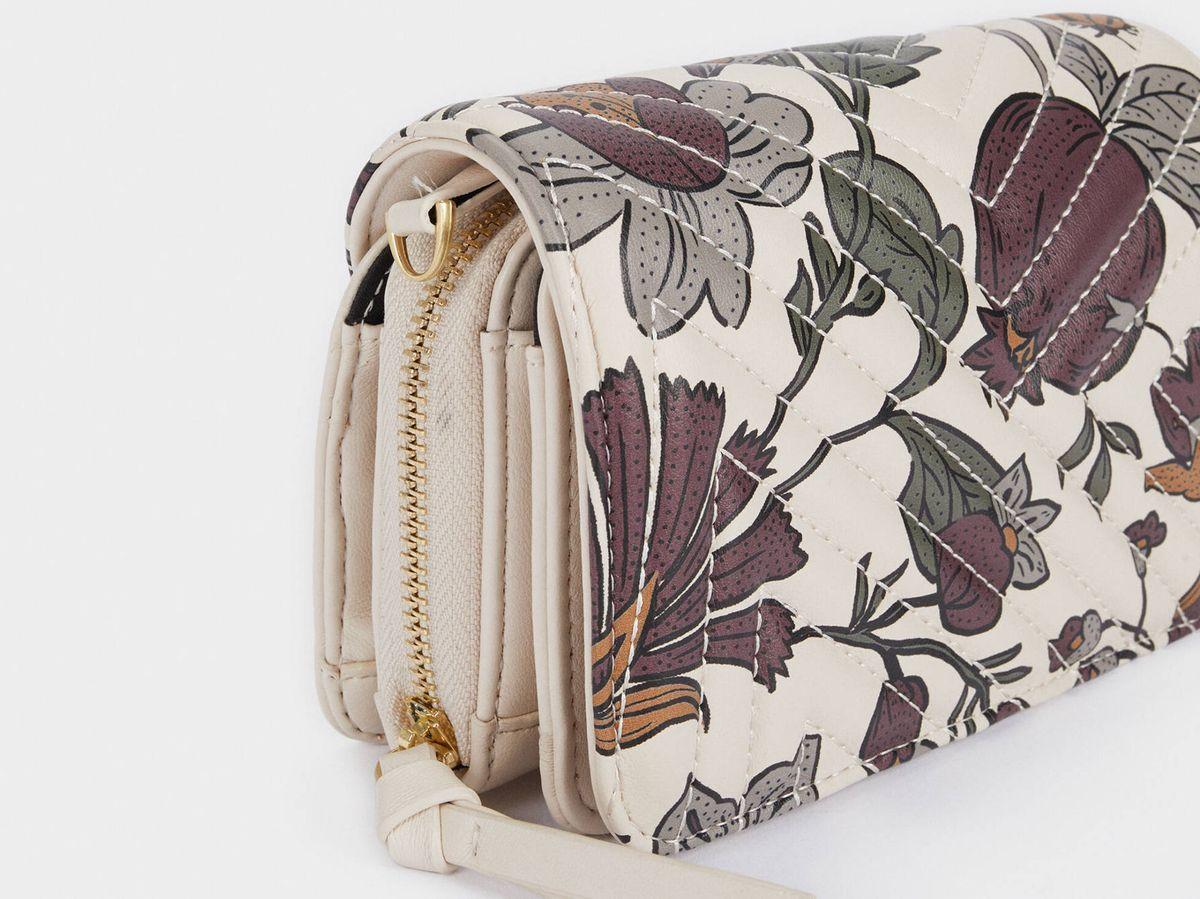 Foto: Este bolso floreado de Parfois nos ha robado el corazón. (Cortesía)