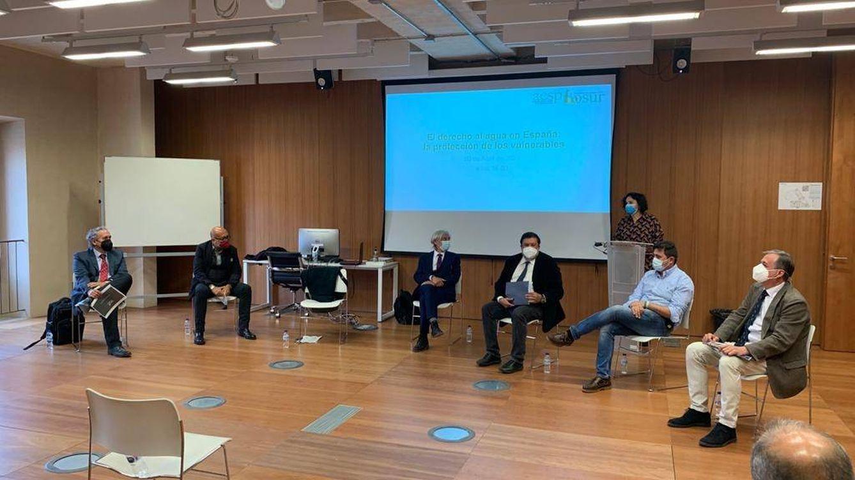 Acuerdo entre AESP y Cáritas para facilitar el acceso al agua de los colectivos vulnerables