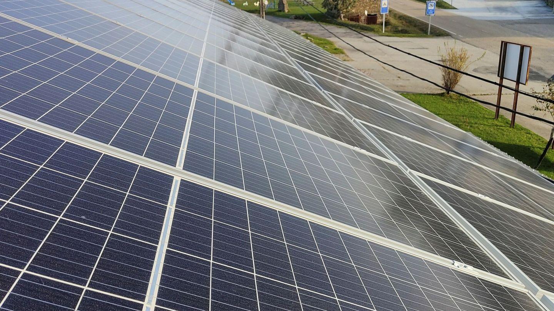 Los sistemas sostenibles deben sustituir a los combustibles fósiles. (EFE)