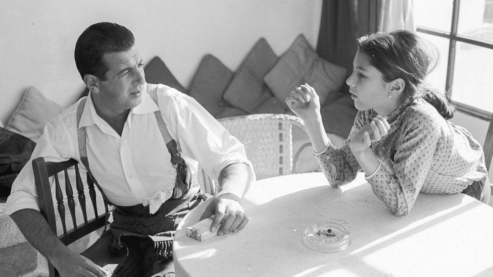 Foto: Antonio Ordóñez, con su hija Belén. (Getty)