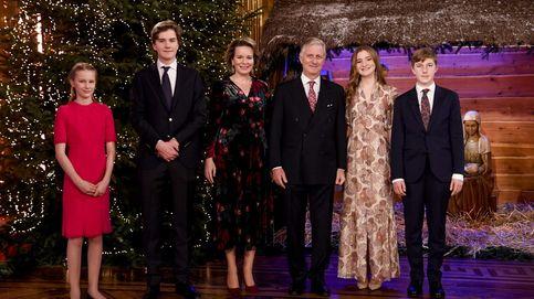 De militar a princesa: Elisabeth de Bélgica brilla en el posado navideño de la familia real con este look