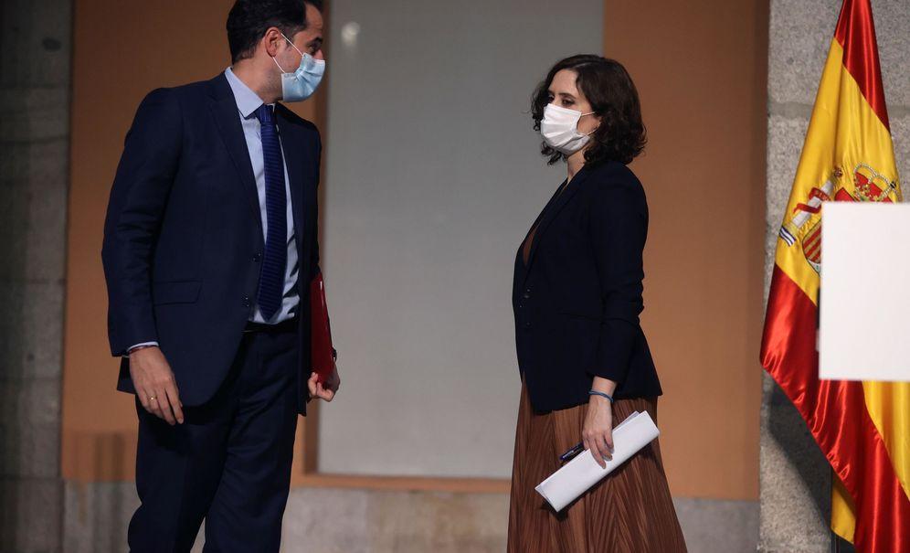 Foto: La presidenta madrileña, Isabel Díaz Ayuso, y el vicepresidente madrileño, Ignacio Aguado. (EFE)
