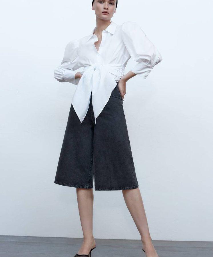 Zara rebaja la camisa blanca que más hace tipazo de toda la