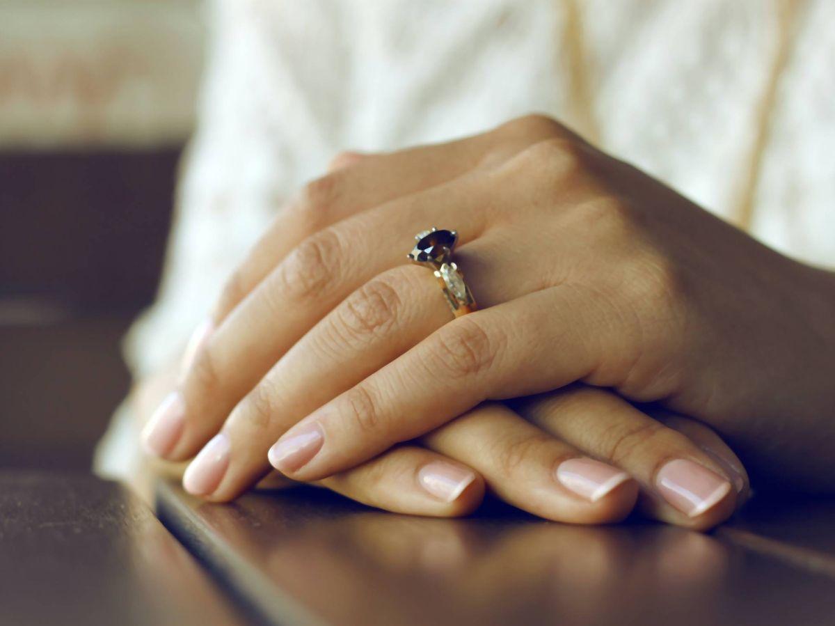 Foto: Ideas para acertar con tu manicura de novia. (Fotografía de Sarah Cervantes para Unsplash)