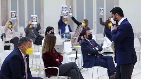 Diputados de ERC, Junts, la CUP y los comunes abandonan el pleno durante la intervención de Vox