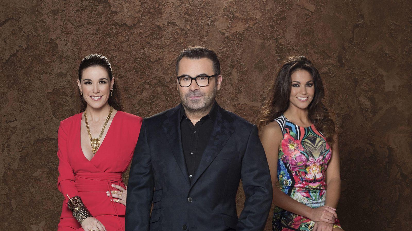 Foto: Raqueñ Sánchez Silva, Jorge Javier Vázquez y Lara Álvarez, presentadores de 'Supervivientes 2015' (Telecinco)