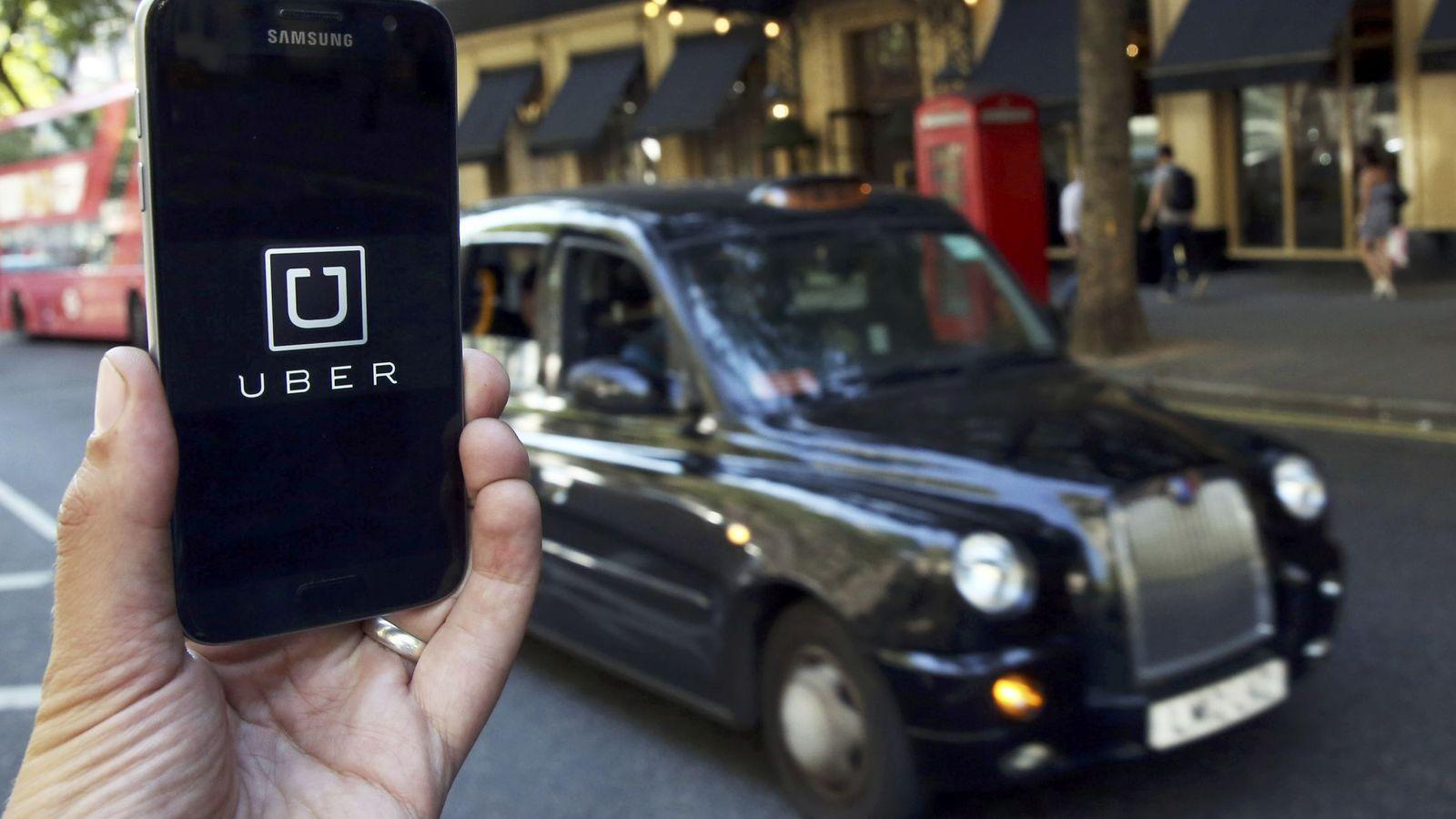 Foto: Foto del logo de Uber en una pantalla de móvil en Londres. (Reuters)