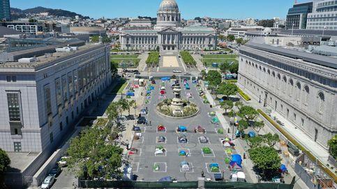 Un campamento para personas sin hogar frente al Ayuntamiento de San Francisco