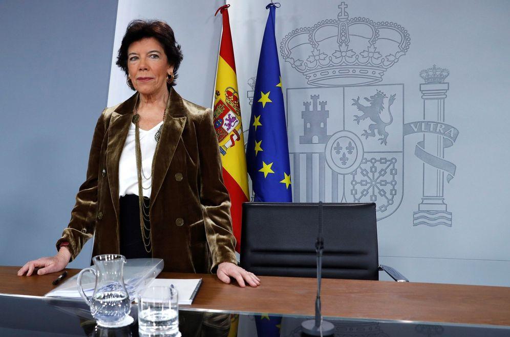 Foto: Isabel Celaá, en la rueda de prensa de este 20 de diciembre en la Moncloa. (EFE)