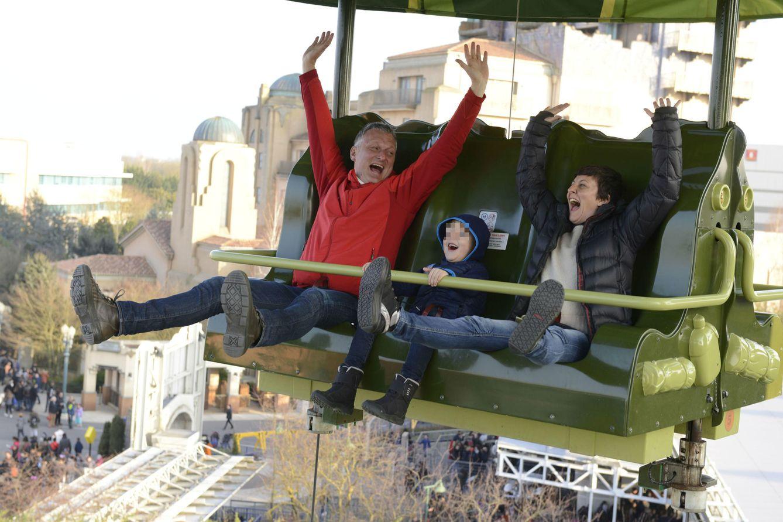 Foto: Eva Hache, su marido y su hijo disfrutan de Disneyland Paris