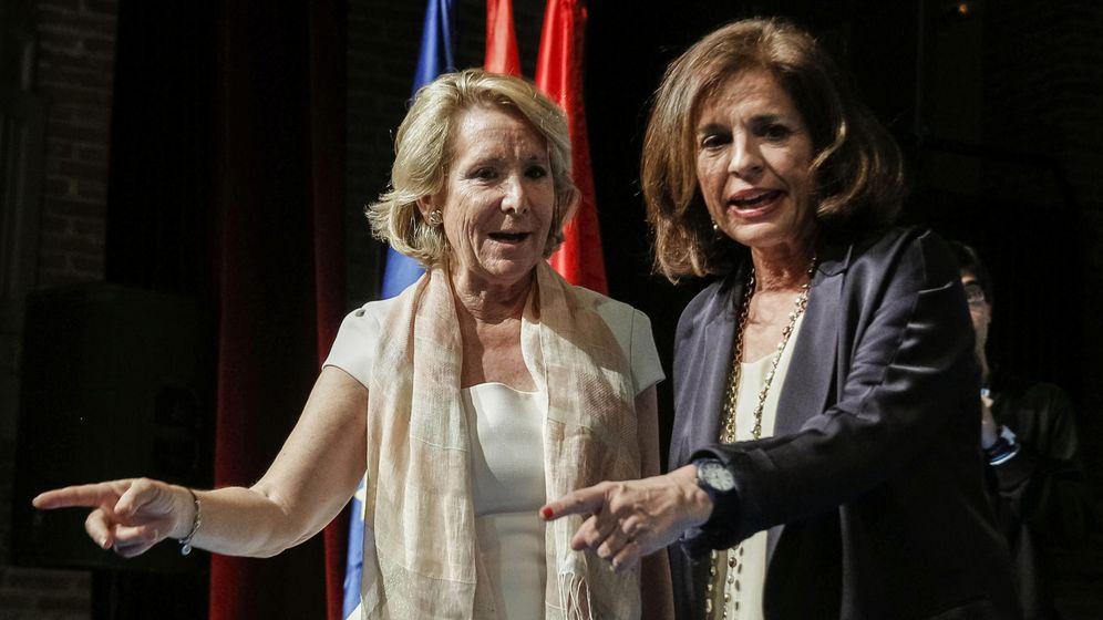 Foto: La presidenta del Partido Popular de Madrid, Esperanza Aguirre, y la alcaldesa de Madrid, Ana Botella. (Efe)