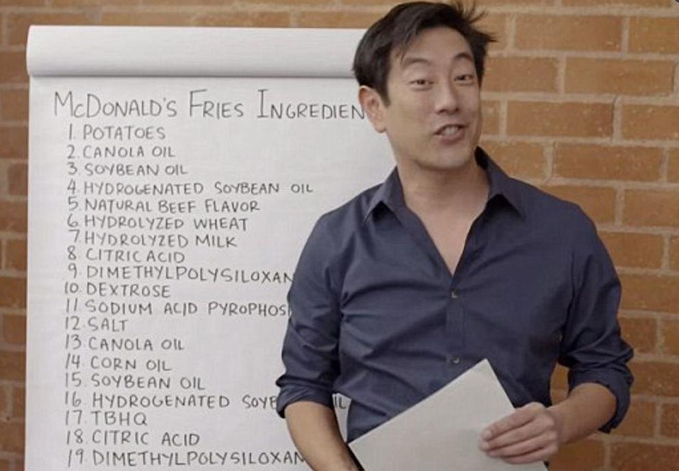 Foto: Aunque en la lista hay 19 ingredientes, algunos se repiten, por lo que el total de ingredientes de las patatas queda en 14 (youtube)