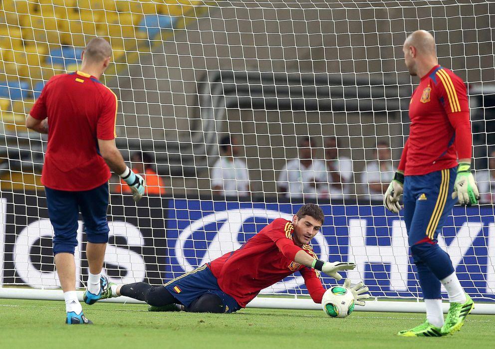 Foto: Valdés, Casillas y Reina, entrenando