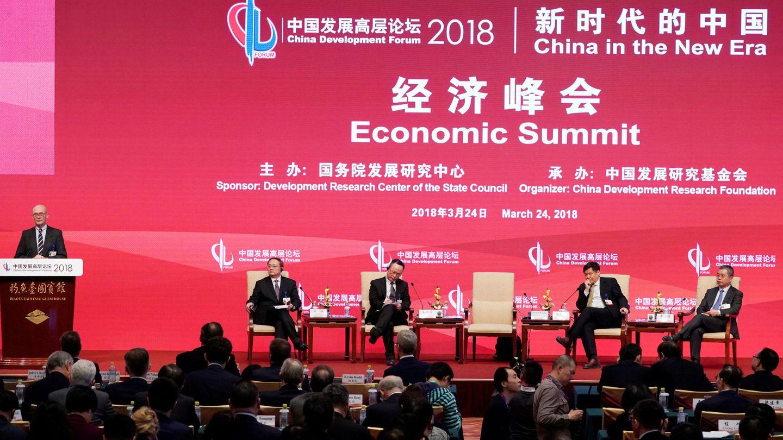 Pascal Lamy, exdirector de la Organización Mundial de Comercio, habla en el Foro de Desarrollo de China, en Pekín, el 24 de marzo de 2018. (Reuters)
