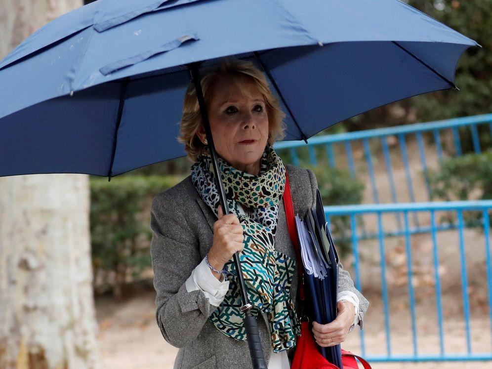 Foto: Esperanza Aguirre, a su salida del juzgado. (EFE)