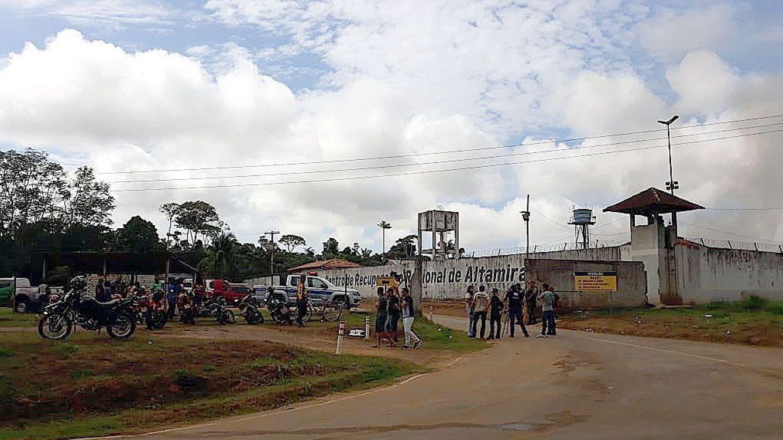 Asesinan a cuatro presos tras una guerra por el control de drogas en una cárcel de Brasil