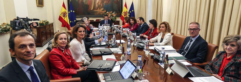 Foto: Pedro Sánchez preside este 26 de octubre en Sevilla su Consejo de Ministros en la Delegación del Gobierno en Andalucía. (EFE)