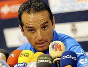 Ni Simeone ni Gorosito, el nuevo entrenador del Almería es José Luis Oltra