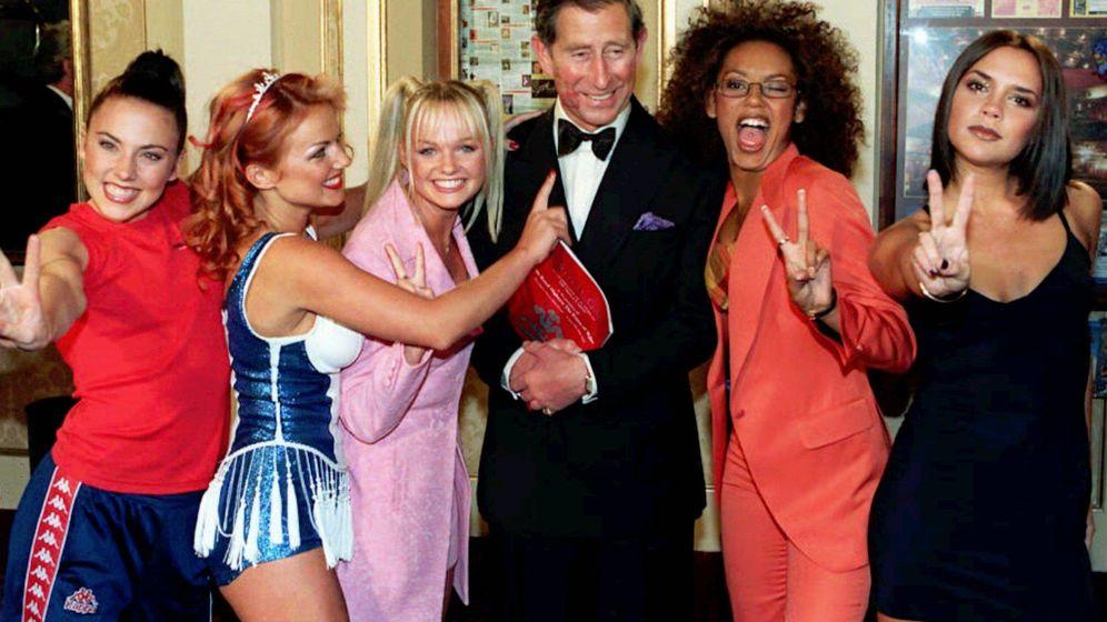 Foto: Las Spice junto al príncipe Carlos a finales de los años 90 (Gtres)