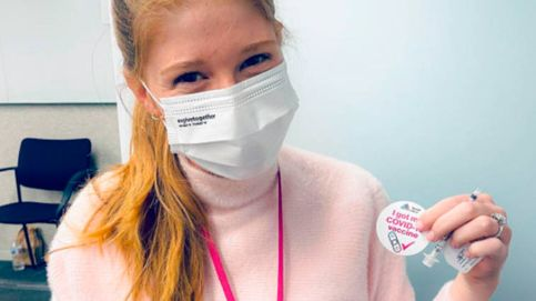 La broma de la hija de Bill Gates sobre las teorías de la conspiración al vacunarse