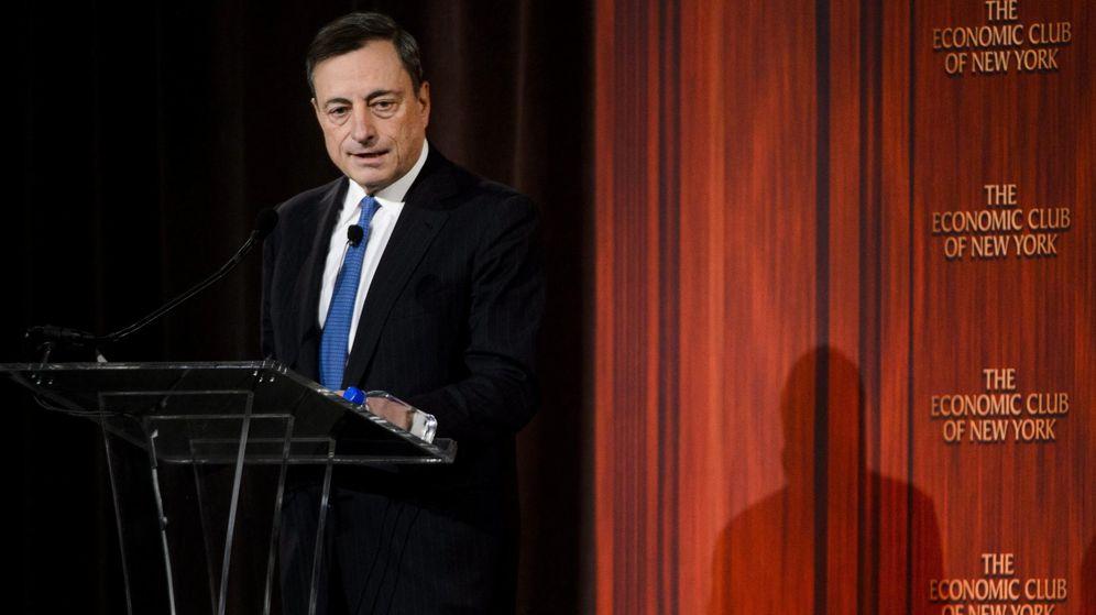 Foto: El presidente del BCE, Mario Draghi, en una conferencia en Nueva York. (EFE)