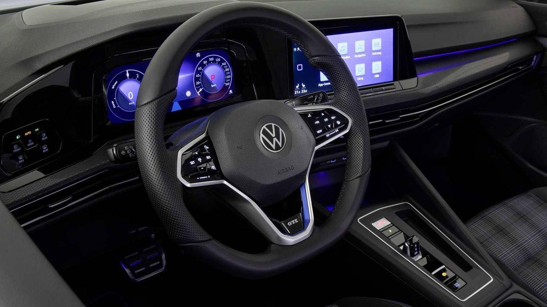 Más deportividad en el estilo interior del Golf GTE, un GTi con etiqueta '0 emisiones'.